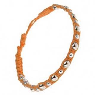 Pletený šnúrkový náramok oranžovej farby, veľké a malé kovové korálky S13.30