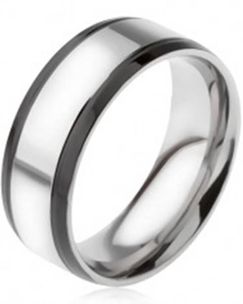 Prsteň z ocele 316L, strieborná farba, s čiernymi okrajovými pásmi - Veľkosť: 56 mm