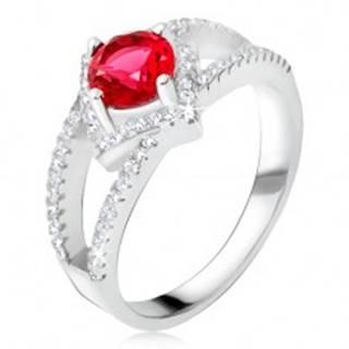 Prsteň s rozdvojenými ramenami, červený kameň, štvorec, striebro 925 U4.10 - Veľkosť: 48 mm