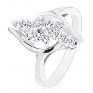 Lesklý prsteň so zahnutými ramenami, číre zirkónové línie s kvietkom v strede - Veľkosť: 49 mm