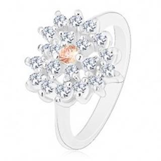 Prsteň v striebornom odtieni, číre zirkónové srdce s oranžovým stredom - Veľkosť: 50 mm