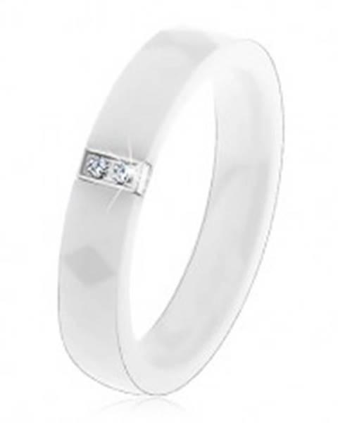 Biely keramický prsteň s brúseným povrchom, oceľový obdĺžnik so zirkónmi - Veľkosť: 52 mm