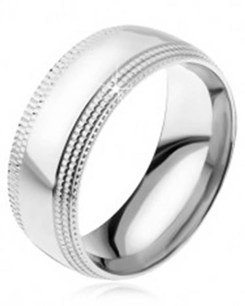 Oceľový prsteň, lesklý povrch, stupňovito zrezané ryhované kraje R20.9 - Veľkosť: 57 mm