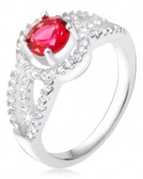 Prsteň striebro 925, červený kameň so zirkónovým rámom, oblé línie T21.12 - Veľkosť: 49 mm