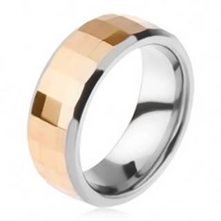 Volfrámový prsteň - dvojfarebný, geometricky brúsený pás zlatej farby K3.18 - Veľkosť: 49 mm