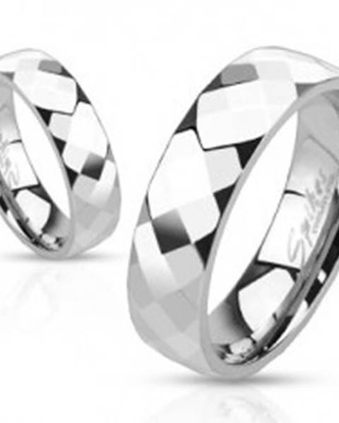 Prsteň z ocele - tri rady lesklých zrezaných kosoštvorcov - Veľkosť: 49 mm