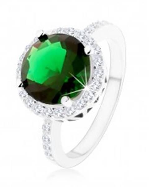 Prsteň zo striebra 925, okrúhly smaragdovozelený zirkón, číry zirkónový lem SP54.17 - Veľkosť: 49 mm