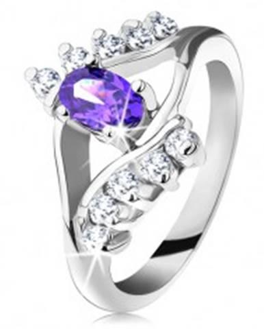 Lesklý prsteň v striebornom odtieni s fialovým oválnym zirkónom, číra línia G10.29 - Veľkosť: 49 mm