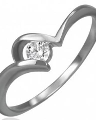 Oceľový zásnubný prsteň - tenké zahnuté ramená, okrúhly číry zirkón - Veľkosť: 48 mm