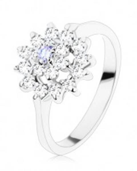 Lesklý prsteň v striebornom odtieni, svetlofialový stred, zirkónový kruh - Veľkosť: 49 mm