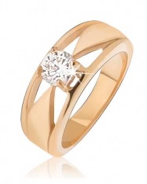 Oceľový prsteň zlatej farby, číry zirkón, trojuholníkové výrezy - Veľkosť: 49 mm