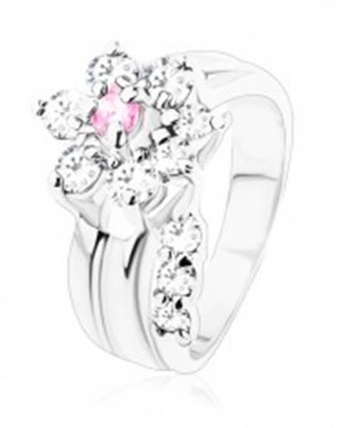 Prsteň s hladkými ramenami, zirkónový kvietok v ružovom a čírom odtieni - Veľkosť: 49 mm