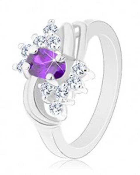 Prsteň s lesklými ramenami, fialový ovál, hladké páry oblúkov, číre zirkóny - Veľkosť: 49 mm