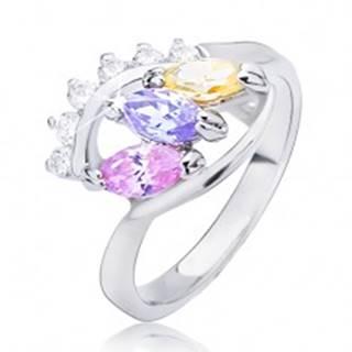 Lesklý prsteň striebornej farby - elipsa s farebnými zirkónmi - Veľkosť: 49 mm