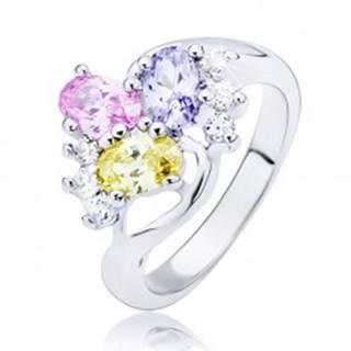Lesklý prsteň - zvlnená línia a farebné oválne zirkóny - Veľkosť: 49 mm