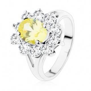 Ligotavý prsteň v striebornom odtieni, žltý ovál, lemovanie z čírych zirkónov - Veľkosť: 51 mm