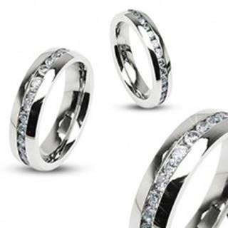 Obrúčka z ocele, strieborná farba, súvislá línia čírych zirkónov po obvode, 6 mm SP52.30 - Veľkosť: 49 mm