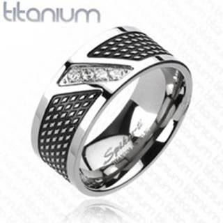 Prsteň z titánu - čierna a strieborná farba, zirkóny v diagonálnej línii - Veľkosť: 59 mm