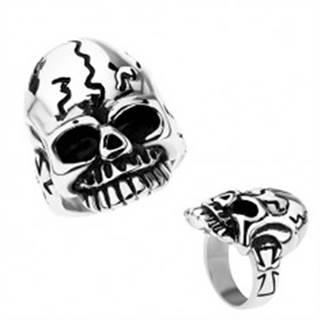 Patinovaný prsteň z chirurgickej ocele, lebka s nepravidelnými ryhami - Veľkosť: 52 mm