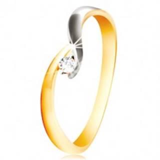 Zlatý prsteň 585 - zahnuté dvojfarebné ramená, trblietavý číry zirkón - Veľkosť: 48 mm