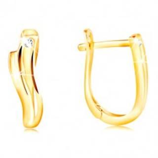 Zlaté 14K náušnice - lesklé vlnky s úzkym výrezom a čírym zirkónom
