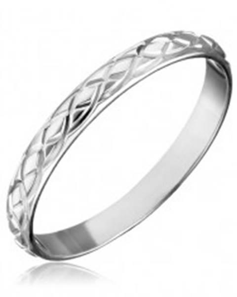 Strieborný prsteň 925 - prepletané gravírované slzy - Veľkosť: 50 mm