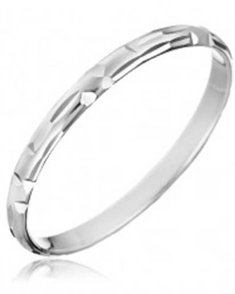 Strieborný prsteň 925 - zrnkové zárezy uložené do tvaru L H10.16 - Veľkosť: 50 mm