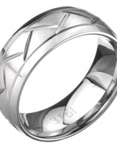 Oceľový prsteň - dve línie a cik-cak vzor, povrch striebornej farby C26.9 - Veľkosť: 57 mm