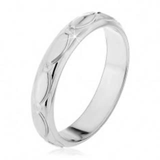 Strieborný prsteň 925 - oválne zárezy a zrniečka, malé kužele - Veľkosť: 50 mm