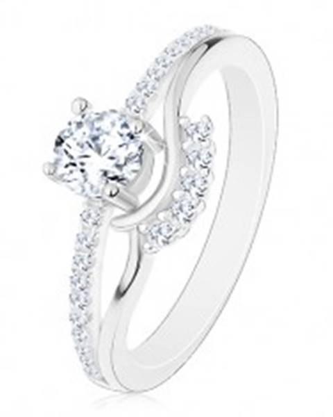 Strieborný 925 prsteň - zásnubný, rozdelené ramená, zirkón, vlnky a trblietavá línia - Veľkosť: 50 mm