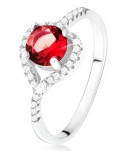 Prsteň s asymetrickým zirkónovým srdcom, červený kameň, striebro 925 - Veľkosť: 49 mm