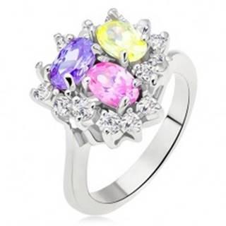 Lesklý prsteň, farebné oválne zirkóny, číra línia trojuholník - Veľkosť: 49 mm