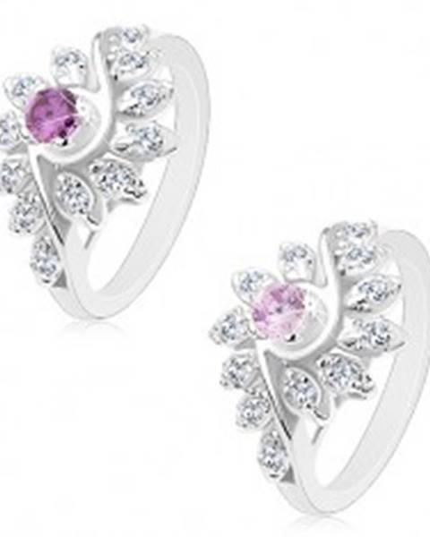 Ligotavý prsteň so zatočenými ramenami, brúsené okrúhle zirkóny, farebný stred - Veľkosť: 49 mm, Farba: Svetlofialová
