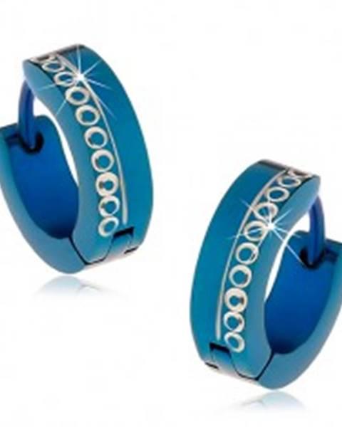 Modré kĺbové náušnice z chirurgickej ocele s vyrezávanými krúžkami