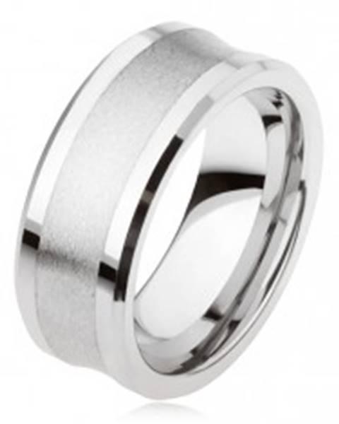 Tungstenový prsteň striebornej farby, matný stredný pás, lesklé vystupujúce okraje - Veľkosť: 49 mm