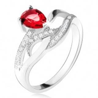 Lesklý prsteň zo striebra 925, červený kameň v tvare slzy, zvlnené zirkónové línie - Veľkosť: 50 mm