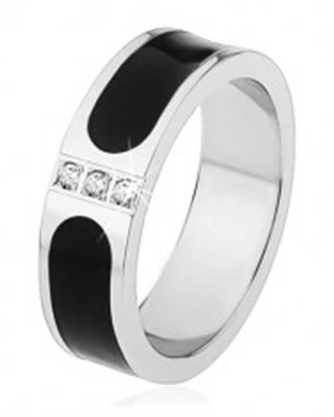 Oceľová obrúčka, strieborná farba, čierny glazúrovaný pás, tri číre zirkóny S71.18 - Veľkosť: 53 mm