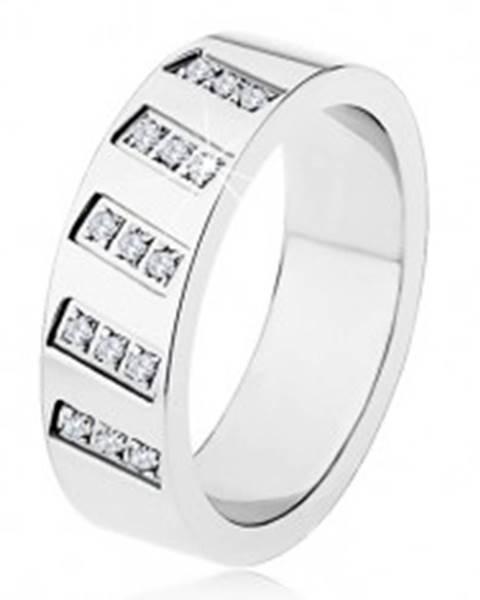 Oceľový prsteň striebornej farby, zrkadlový lesk, šikmé línie zirkónov SP19.19 - Veľkosť: 54 mm