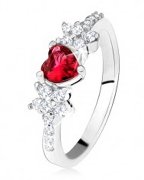 Prsteň s červeným srdiečkovým kameňom a kvietkami, číre zirkóniky, striebro 925 SP30.28 - Veľkosť: 49 mm