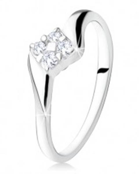 Strieborný zásnubný prsteň 925, štvorec zo zirkónov medzi ramenami S68.02 - Veľkosť: 49 mm