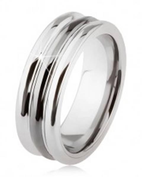 Wolfrámový prsteň s lesklým povrchom, dva zárezy, čierna a strieborná farba SP24.09 - Veľkosť: 54 mm