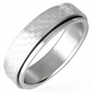 Oceľový prsteň s otáčavým stredom - šachovnica D12.12 - Veľkosť: 53 mm
