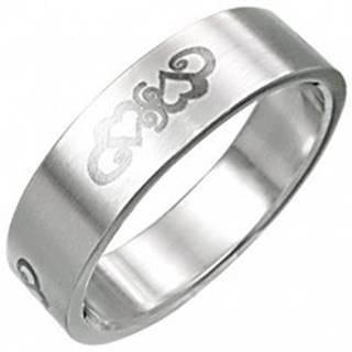 Oceľový prsteň so srdiečkovým ornamentnom - Veľkosť: 55 mm