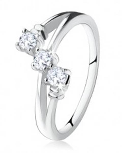 Zásnubný prsteň zo striebra 925, šikmá línia troch čírych zirkónov S75.05 - Veľkosť: 49 mm