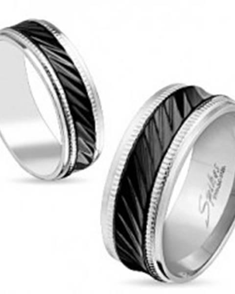 Oceľová obrúčka striebornej farby, čierny pruh so šikmými zárezmi, vrúbky, 8 mm S85.17 - Veľkosť: 59 mm