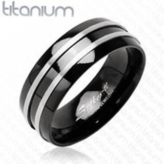Čierny prsteň z titánu - dva  tenké pásy striebornej farby - Veľkosť: 49 mm