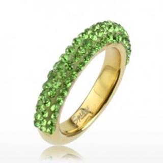 Trblietavý prsteň zlatej farby z ocele, línie svetlozelených kamienkov SP36.14 - Veľkosť: 49 mm