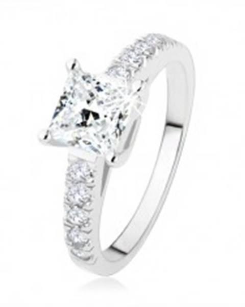 Zásnubný prsteň zo striebra 925, číry zirkónový štvorec, ramená s kamienkami SP47.18 - Veľkosť: 49 mm