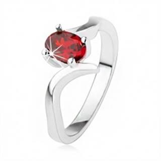 Elegantný prsteň zo striebra 925, rubínovočervený zirkón, zvlnené ramená SP39.23 - Veľkosť: 50 mm