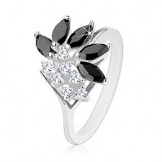 Lesklý prsteň striebornej farby, číre zirkóny, čierne brúsené zrnká - Veľkosť: 50 mm